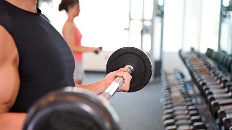 اشتباهاتی که نباید در هنگام تمرین با وزنه مرتکب شوید