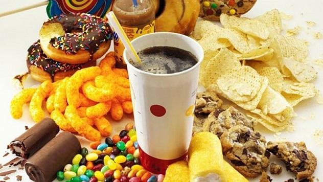 نگاهی به بدترین مواد غذایی که آیا میتوانید بخورید؟