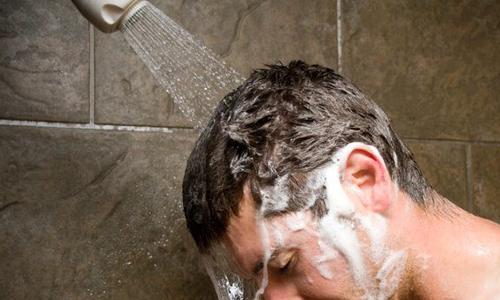 مراقبت های بعد از کاشت مو پس از سوالات متداول کاشت مو مهمترین بخش عمل کاشت مو به شمار می رود زیرا اگر نتوانید به تجویزها و دستورات پزشک معالج عمل کنید قطعا نتیجه با کیفیت و دلخواه را کسب نخواهید کرد حال در ادامه سعی داریم تا مهمترین و کلیدی ترین مراقبت های بعد از کاشت مو یا توصیه های بعد از کاشت مو را برای شما بیان کنیم: